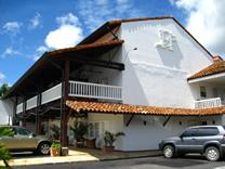 Habitaciones del Hotel Luisiana en Santa Ana, Costa Rica