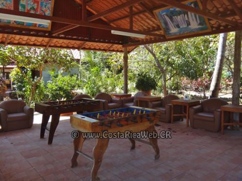 Sala de descanso del Hotel El Oasis de Papagayo en Guanacaste, Costa Rica