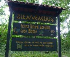 Entrada a la Reserva Natural Absoluta Cabo Blanco en Costa Rica